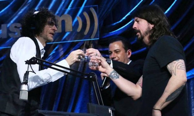 """The 20 Year Legacy of Foo Fighters' """"Everlong"""" on the Howard Stern Show"""